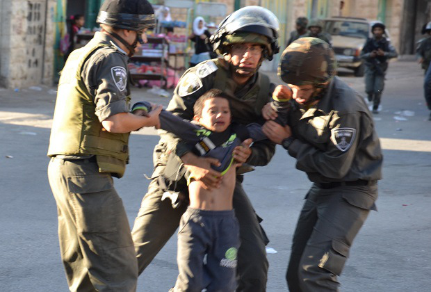 Israeli occupation forces arrests child leaving Al-Aqsa Mosque in the morning  of June 3