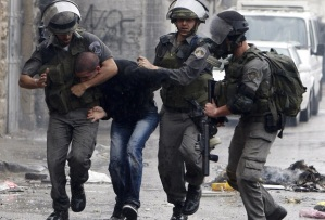 Israeli occupation police assault Palestinian guard at Al Aqsa Mosque on Wednesday morning
