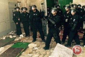 (Ma'an Images) Israeli forces broke into Al-Aqsa mosque compound Sunday