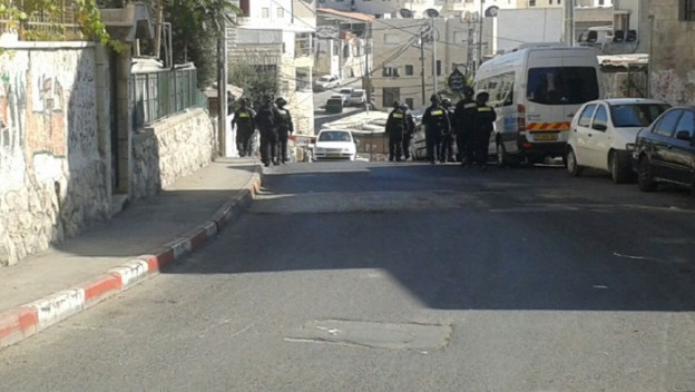 Israeli police accompanied by a helicopter and drone snapping photos raided the East Jerusalem neighborhood of Issawiya Sunday morning. Photo: Mohammad Abu Humus