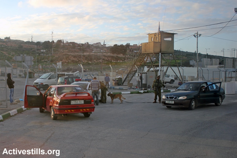 Tappuah Checkpoint, Nablus, West Bank, 19.02.2013. Photo by activestills