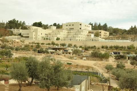 The illegal settlement of Kiryat Arba in Hebron. (Photo: Sarah Robinson, 2 November, 2014)