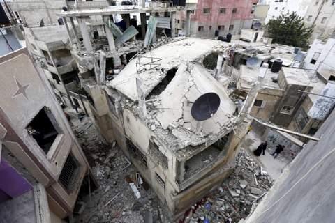 la-fg-israel-palestinians-raid-home-demolished-20151116-001